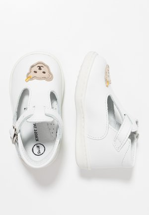 TIINA - Chaussures premiers pas - white