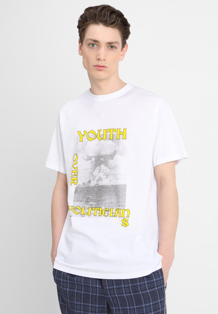 Murph   T Shirt Print by Soulland