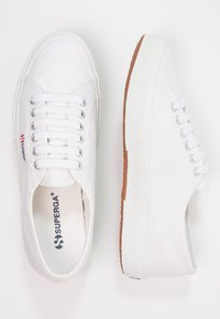 Superga - CLASSIC - Sneaker low - white - 2