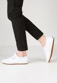Superga - CLASSIC - Sneaker low - white - 0