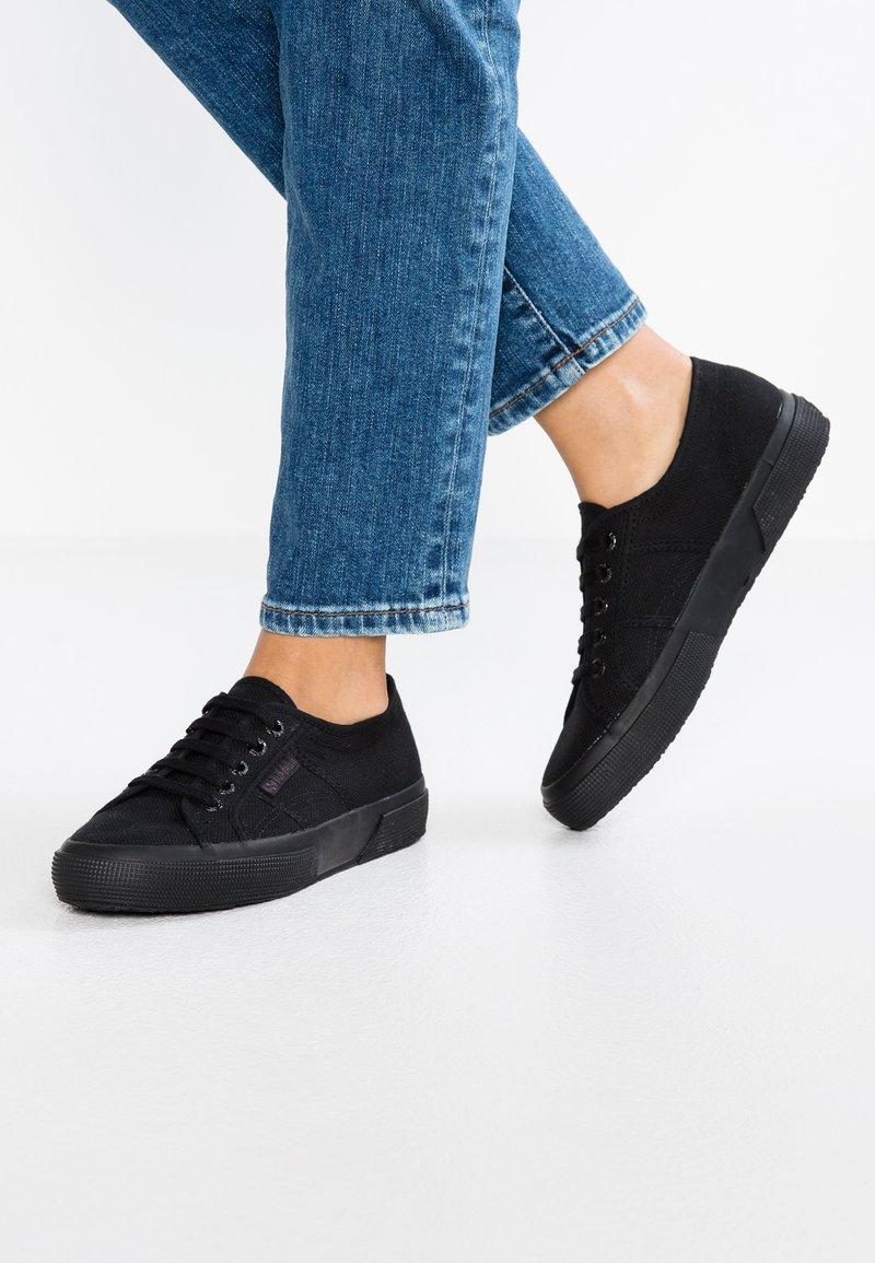Superga - 2750 CLASSIC - Sneakers laag - black