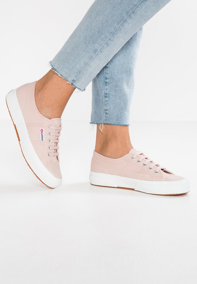 2750 CLASSIC - Sneakers laag - pink skin