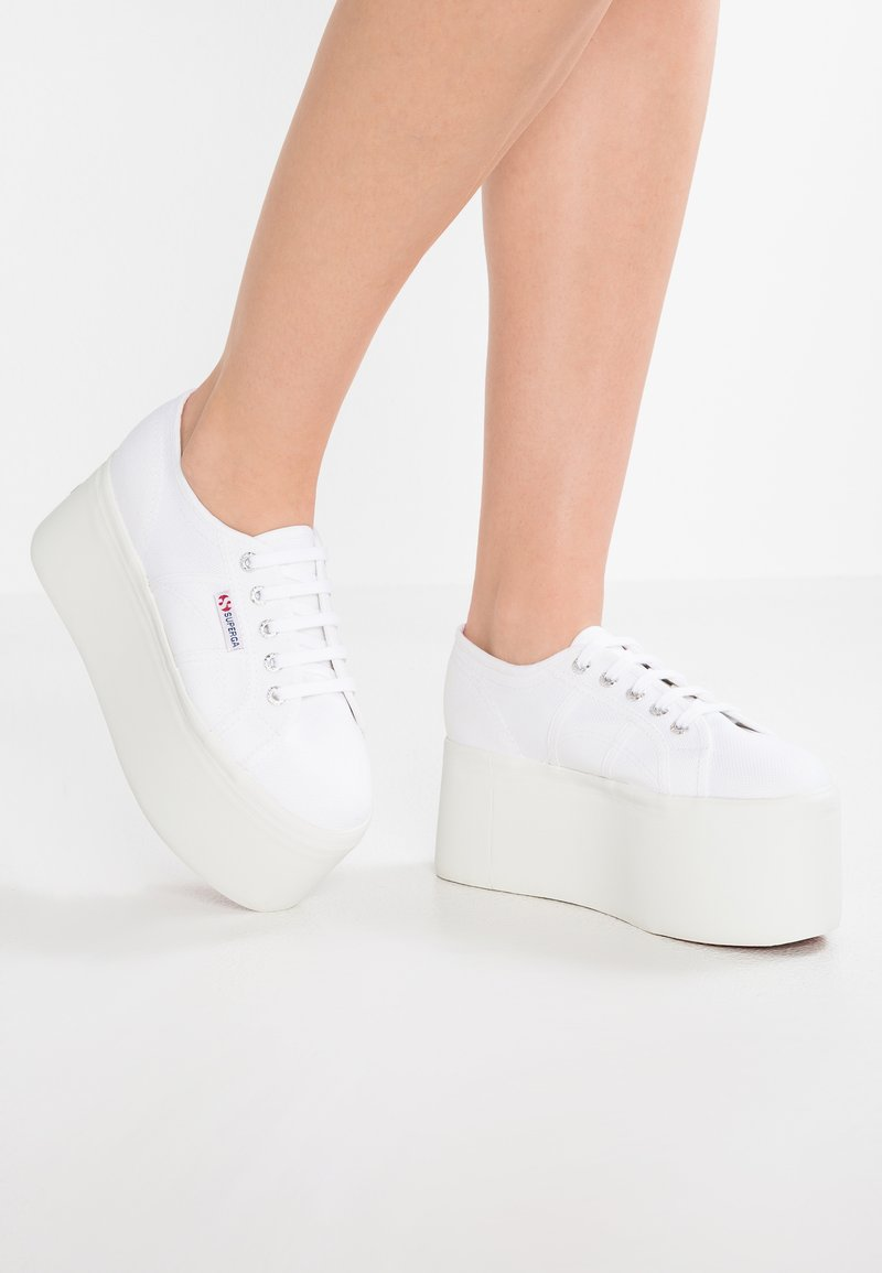 Superga - 2802 - Sneakers - white