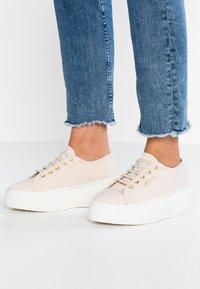 Superga - Sneakers laag - beige ecru - 0