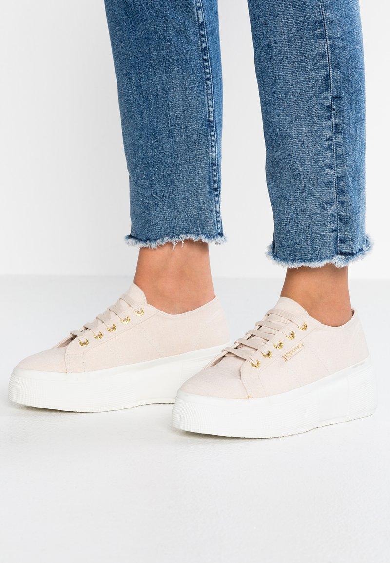 Superga - Sneakers laag - beige ecru