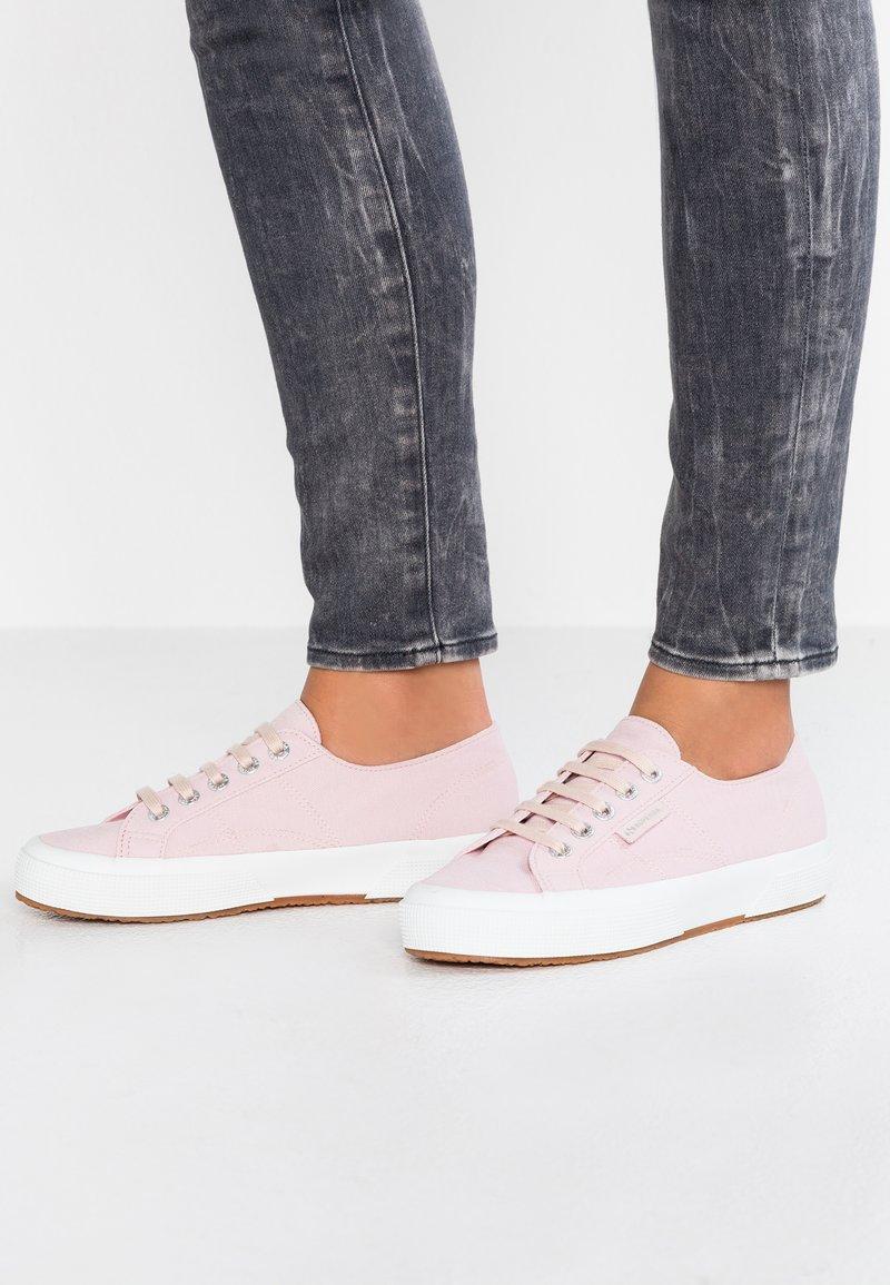 Superga - 2750 - Trainers - pink