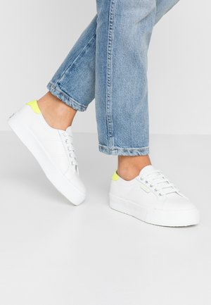2736 - Sneakers laag - white/yellow fluo