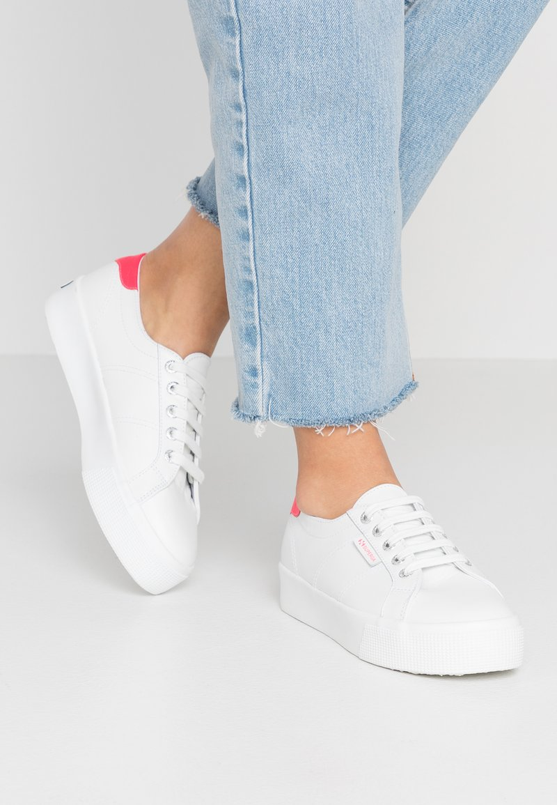 Superga - 2736 - Sneaker low - white/coral fluo