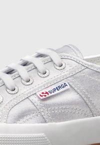 Superga - 2750 - Trainers - silver - 5