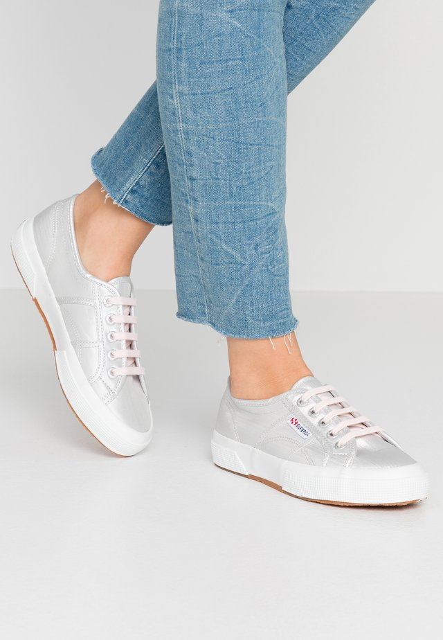 2750 - Sneaker low - pink