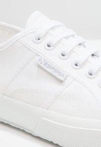 Superga - CLASSIC - Sneakers basse - white - 5