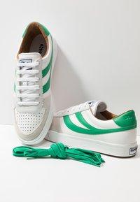 Superga - LEAU - Zapatillas - white/green - 5