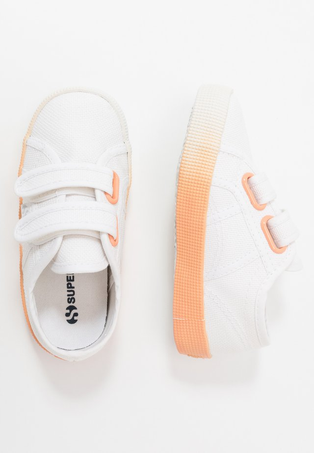 2750 - Sneakers laag - white/orange melon