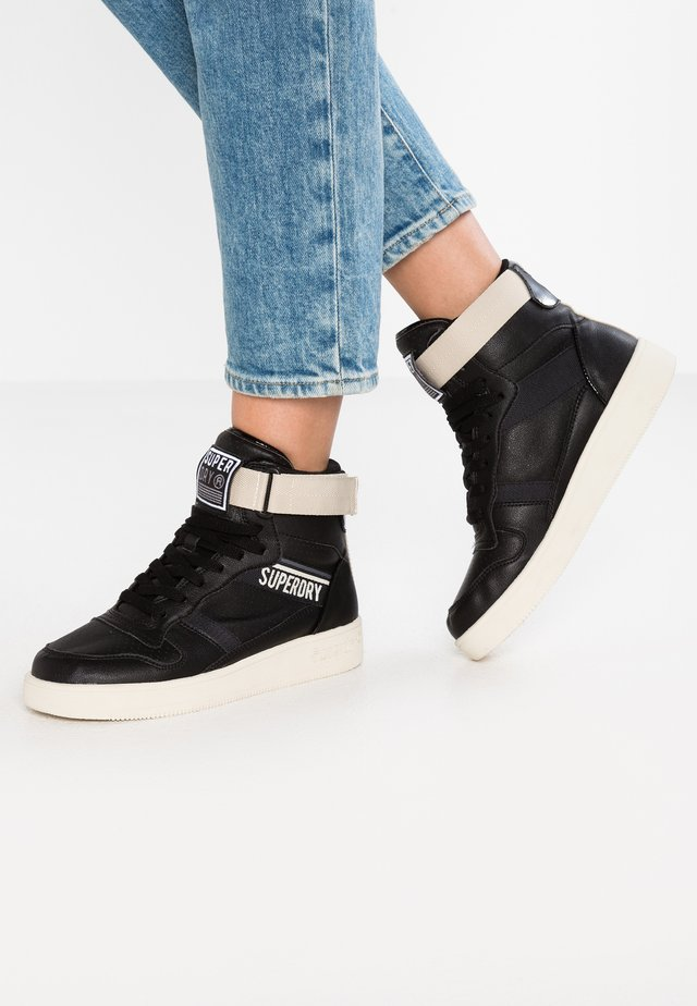 URBAN TOP - Höga sneakers - black