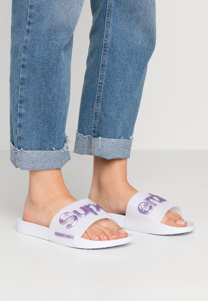 Superdry - Badesandaler - optic white/metallic purple