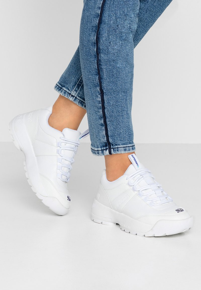 Superdry - CHUNKY TRAINER - Sneakers laag - optic