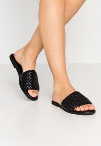 Superdry - WIDE FIT  - Pantofle - black - 0