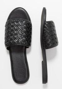 Superdry - WIDE FIT  - Pantofle - black - 3