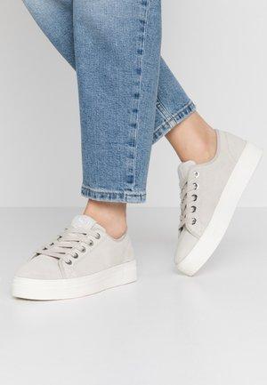 Sneakersy niskie - silver cloud