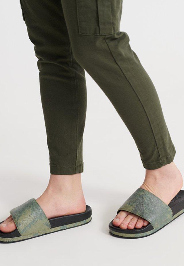 Pantofle - black/khaki