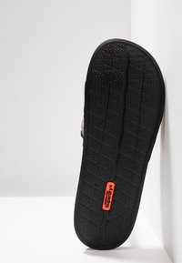 Superdry - CITY BEACH SLIDE - Pantolette flach - black/charcoal/hazard orange