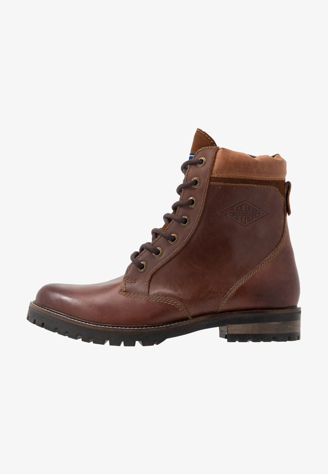 RIPLEY LACE UP BOOT - Veterboots - red brown