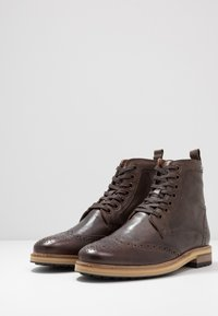 Superdry - SHOOTER BOOT - Lace-up ankle boots - brown - 2