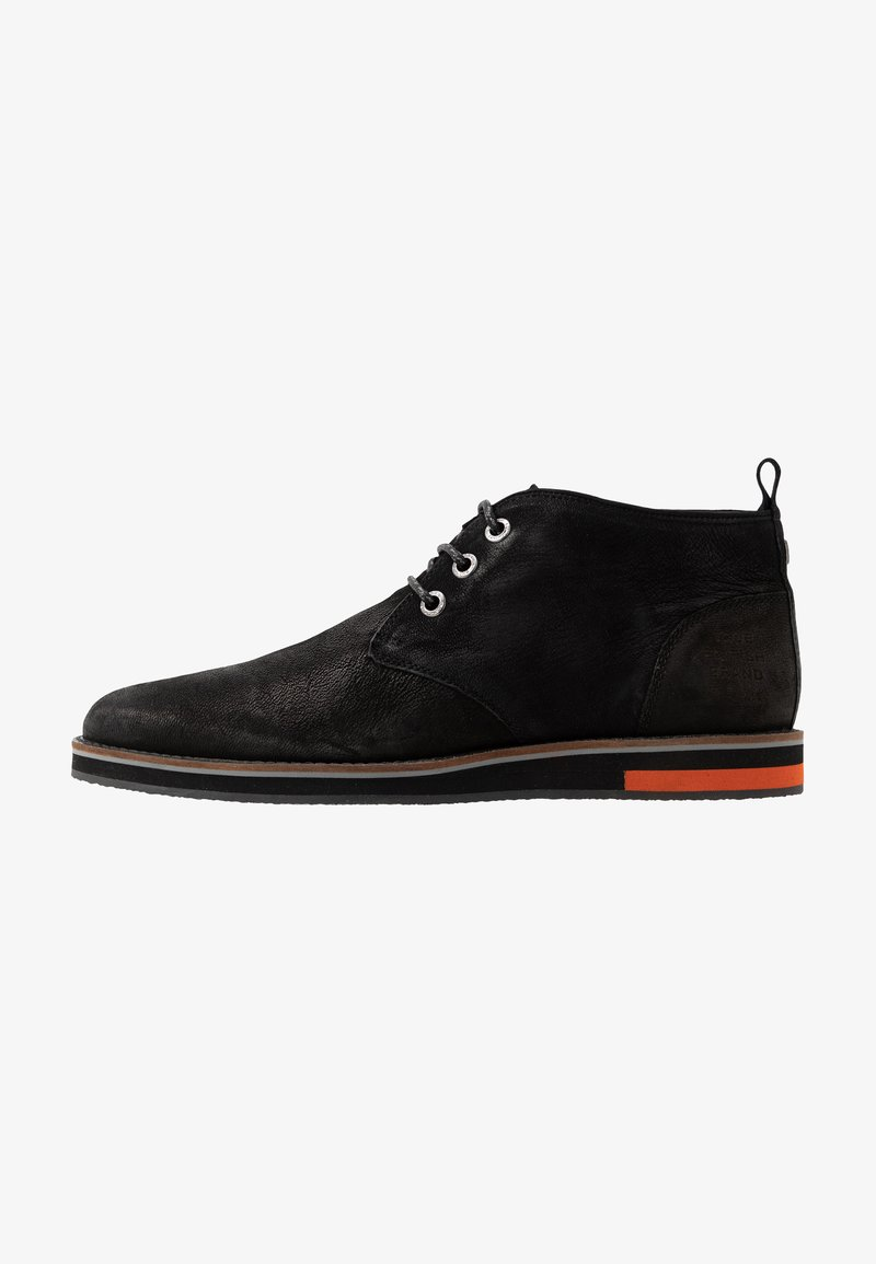 Superdry - CHESTER CHUKKA BOOT - Casual lace-ups - black
