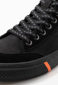 Superdry - SKATE CLASSIC - Zapatillas altas - black - 6