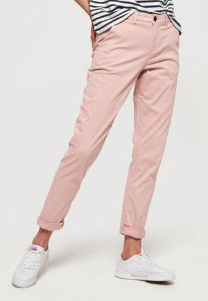 CITY - Pantalones chinos - pink