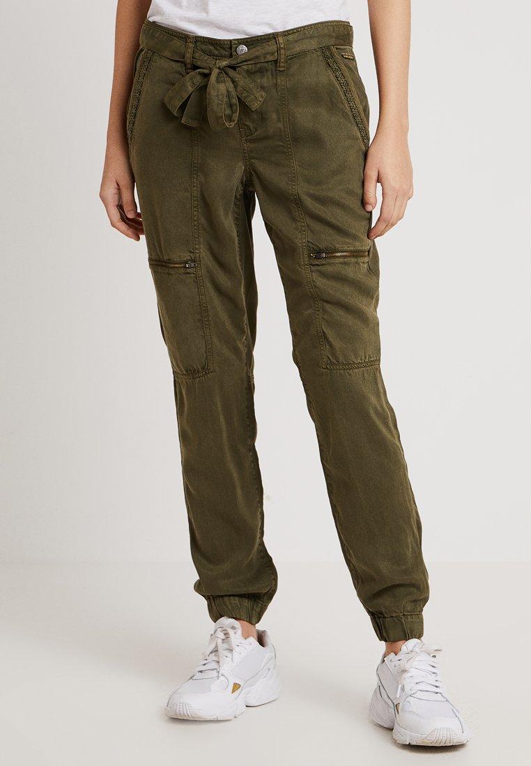 Superdry - ROOKIE PANT - Trousers - laurel khaki