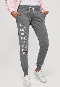 Superdry - Spodnie treningowe - dark grey - 0