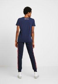 Superdry - ORLA CUFFED - Pantalones deportivos - french navy - 2
