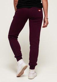 Superdry - ORANGE LABEL  - Spodnie treningowe - purple - 2