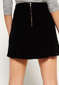 Superdry - BILLIE - Mini skirt - black - 2
