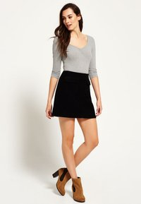 Superdry - BILLIE - Mini skirt - black - 1