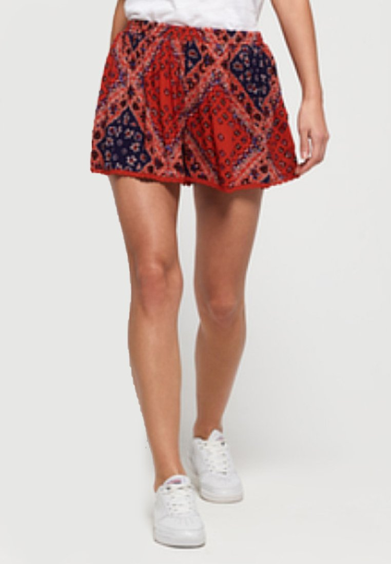 Superdry - DYLAN  - Shorts - red