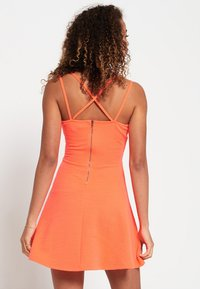 Superdry - Korte jurk - corail fluro - 2