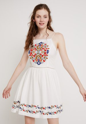 KATALINA APRON DRESS - Korte jurk - white/multi