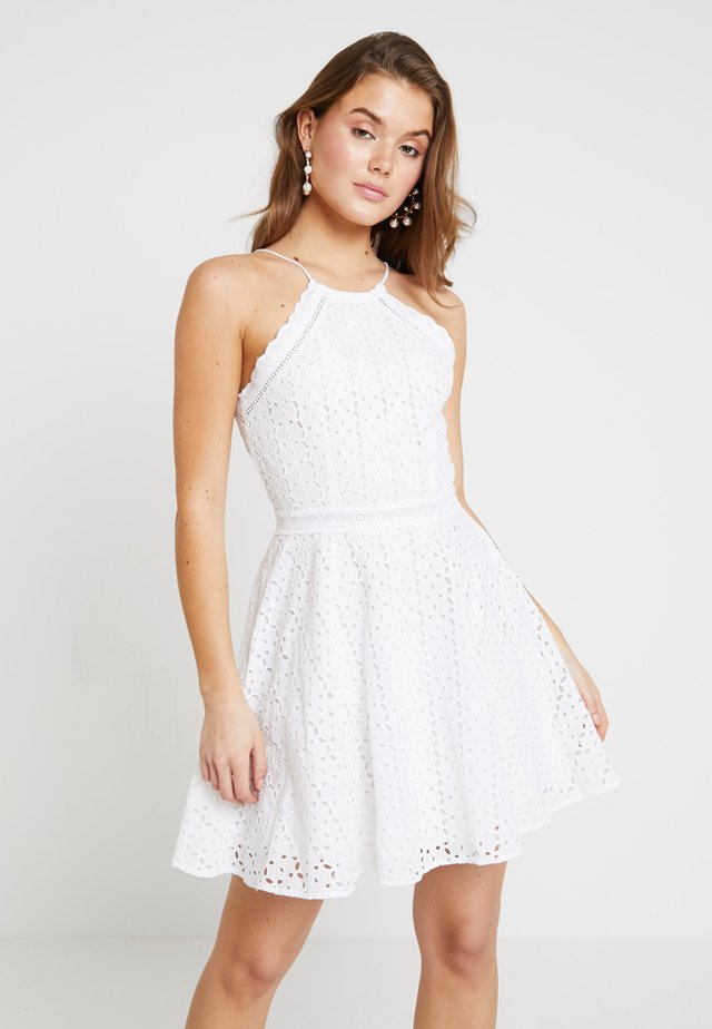 TEAGAN HALTER  - Korte jurk - white