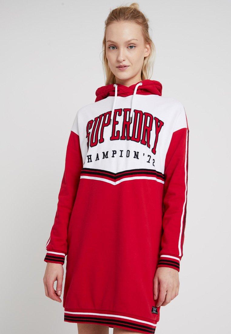 Superdry - COLLEGE HOODED DRESS - Freizeitkleid - burnt red/ice marl