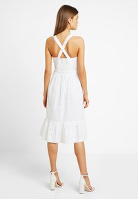 Superdry - CAMILLE BUTTON SCHIFFLI DRESS - Košilové šaty - white - 2