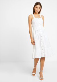 Superdry - CAMILLE BUTTON SCHIFFLI DRESS - Košilové šaty - white - 1