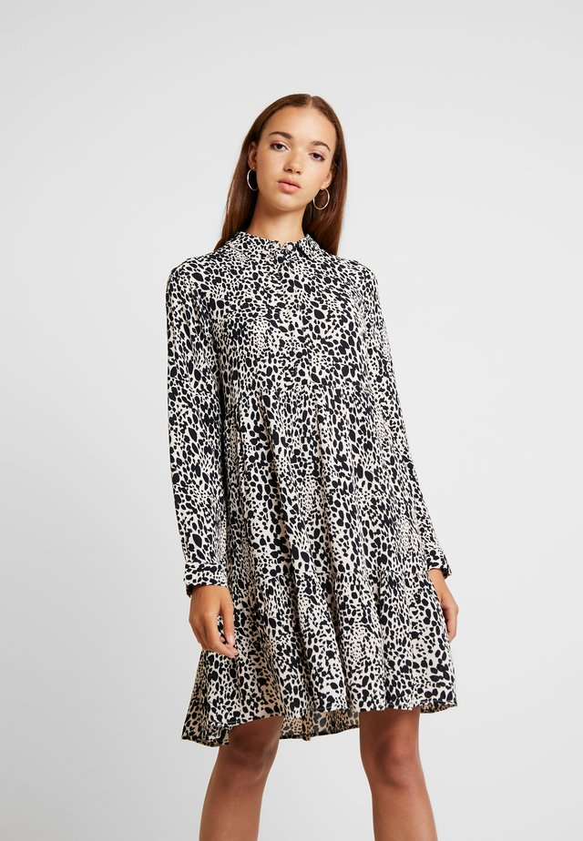 SCANDI DRESS - Korte jurk - light pink/black