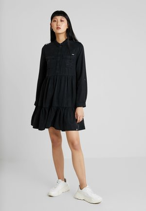 KATHRYN DRESS - Košilové šaty - washed black