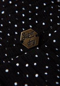 Superdry - Robe longue - black - 3