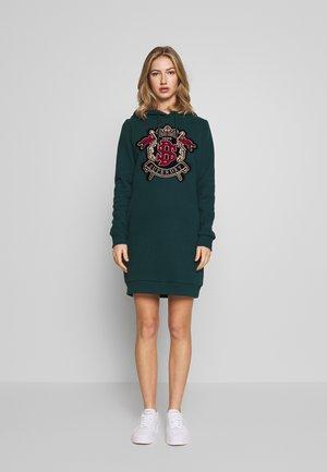 ADA EMBELISHEDSWEAT DRESS - Korte jurk - pine