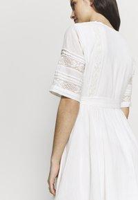 Superdry - ELLISON TEXTURED DRESS - Korte jurk - oyster - 6