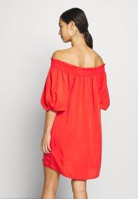 Superdry - DESERT OFF SHOULDER DRESS - Korte jurk - apple red - 2