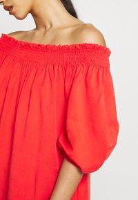 Superdry - DESERT OFF SHOULDER DRESS - Korte jurk - apple red - 5